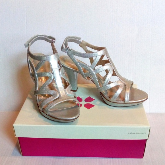 49aebe1f376 NWB Naturalizer Danya Silver Evening Sandals Heels